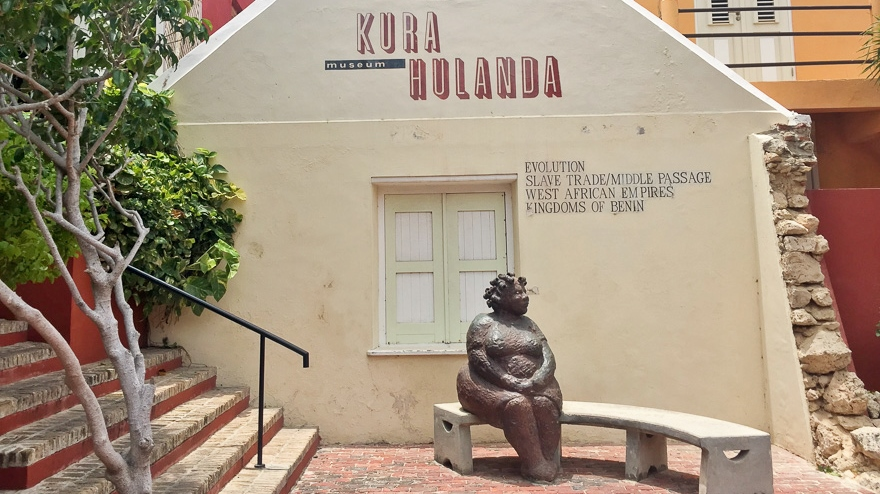 Kura-Hulanda-Eingang